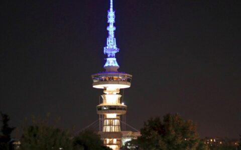Ο Πύργος ΟΤΕ κατά τη νύχτα,